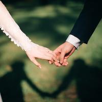 ilustrasi pernikahan dan cincin/Photo by Jeremy Wong Weddings on Unsplash