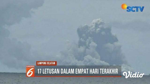 Sejak empat hari terakhir, Gunung Anak Krakatau tercatat 17 gempa dan menyemburkan abu tebal.