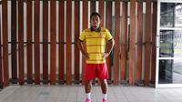 Andik Vermansah dengan kostum latihan Selangor FA. (Bola.com/Nicklas Hanoatubun)