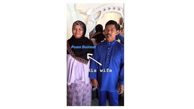Kisah haru belikan baju istri (Sumber: Instagram/zachrinjaafars.official)