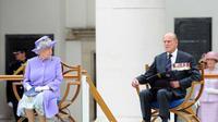 4 Fakta Tentang Ratu Elizabeth, Ratu  menunjukkan muka kesal kepada Pangeran Philip (AFP)
