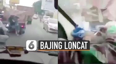 Penumpang mobil di belakangnya yang merupakan anggota TNI berusaha turun menangkap pelaku.