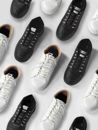 Ilustrasi sepatu Indonesia