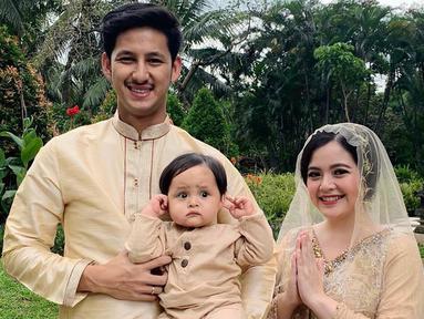 Potret Tasya Kamila bersama sang suami dan putra tercinta kerap ia unggah di media sosial. Penampilan ketiganya pun sering kali tuai pujian dari netizen. (Liputan6.com/IG/@tasyakamila)