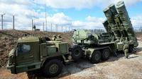 S-400 Triumph adalah salah satu sistem misil antipesawat yang ditempatkan untuk melindungi Moskow (RBTH Indonesia)