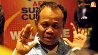 Manajer Timnas Indonesia, Habil Marati saat akan keluar Hotel Golden Horses Palace, Kuala Lumpur, Malaysia.