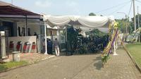 Suasana rumah duka salah satu awak KRI Nanggala 402 di Bogor, Jawa Barat. (Liputan6.com/Achmad Sudarno)