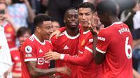 Kemenangan Manchester United kali ini tak lepas dari peran Paul Pogba yang memberikan dua assist. Skor 4-1 bertahan hingga peluit panjang dibunyikan. (Foto: AFP/Oli Scarff)