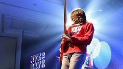 Band yang digawangi Iga Massardi itu langsung menggebrak dengan lagu bernuansa keras. (Bambang E. Ros/Bintang.com)