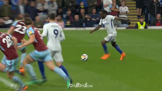 Chelsea melakukan pemanasan sebelum melakoni pertandingan semifinal Piala FA dengan menekuk Burnley 2-1 dalam lanjutan Liga Inggri...