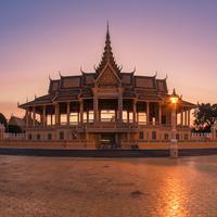 Royal Palace, Phnom Penh, Kamboja. (030mm-photography.com)