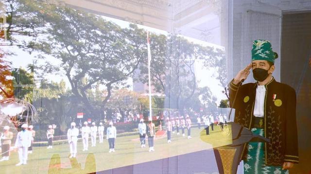 Jokowi Kenakan Pakaian Adat Tanah Bumbu di Upacara Virtual Hari Pancasila