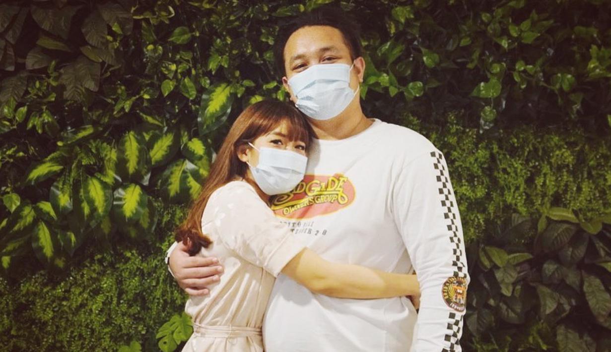 Gilang Dirga dan Adiezty Ferza (Instagram/adieztyfersa)