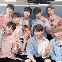 Baru-baru ini agensi dari Wanna One, Swing Entertainment memberikan peringatan kepada fansite. Mereka dilarang untuk mengambil konten Wanna One berupa foto dan video. (Foto: Soompi.com)