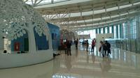 Suasana Bandara Kertajati mulai diminati penumpang setelah dinyatakan efektif beroperasi. Foto (Liputan6.com / Panji Prayitno)