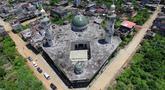 Pendangan udara memperlihatkan kehancuran Masjid Agung di Kota Marawi, Provinsi Lanao del Sur, Filipina, Kamis (23/5/2019). Sisa-sisa kehancuran masih terlihat setelah dua tahun berakhirnya konflik yang terjadi antara pasukan keamanan Filipina dengan militan ISIS di Kota Marawi. (Noel CELIS/AFP)