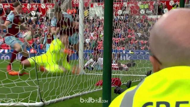 Harapan Stoke City untuk bertahan di Premier League semakin berat usai hanya mampu bermain imbang 1-1 atas Burnley dalam laga lanj...
