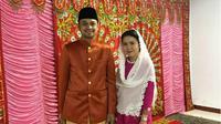 Karena pandemi Covid-19, keluarga wakil wali kota Gorontalo dan istri bersepakat, ritual pernikahan ini hanya dilangsungkan sederhana tanpa mengundang banyak orang. (Liputan6.com/Arfandi Ibrahim)