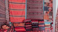 Ilustrasi karpet sebagai dekorasi rumah. (dok. unsplash.com/Asnida Riani)