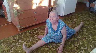 Kakek Nenek ini Lakukan Hal-Hal Kocak yang Tak Terduga