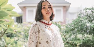 Hari ini, Senin (17/8/2020), Indonesia merayakan hari kemerdekaannya yang ke-75 tahun. Andien Aisyah, menjadi salah satu pengisi acara 17an Merdeka dalam sesi Bincang Pahlawan: #MerdekakanSenyumIndonesia. (Instagram/andienaisyah)