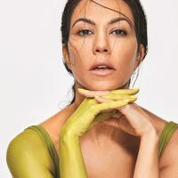 Kourtney Kardashian menjalani puasa untuk mendukung gaya hidup sehat yang dijalaninya. (© Vogue Mexico)