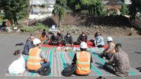 Wali Kota Malang dan sejumlah pejabat saat syukuran peletakan batu pertama proyek mercusuar di tengah pandemi Covid-19 (Humas Pemkot)