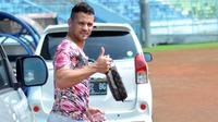 Striker Arema, Robert Lima Guimaraes cerita pengalaman naik rantis. (Bola.com/Iwan Setiawan)