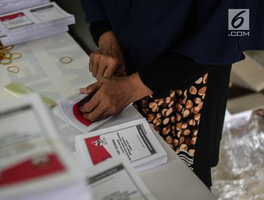 Pelipatan Surat Suara KPU Jakarta Pusat