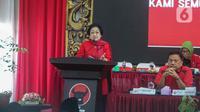 Ketua Umum PDIP Megawati Soekarnoputri menyampaikan pidato saat pengumuman nama calon kepala daerah dan calon wakil kepala daerah di DPP PDIP, Jakarta, Rabu (19/2/2020). Pengumuman 48 nama calon yang akan maju Pilkada 2020 ini masuk dalam gelombang pertama. (Liputan6.com/Faizal Fanani)