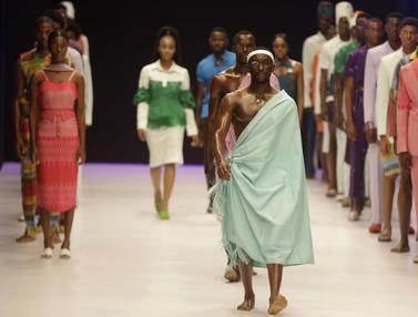 Lenggak-Lenggok Para Model di Lagos Fashion Week
