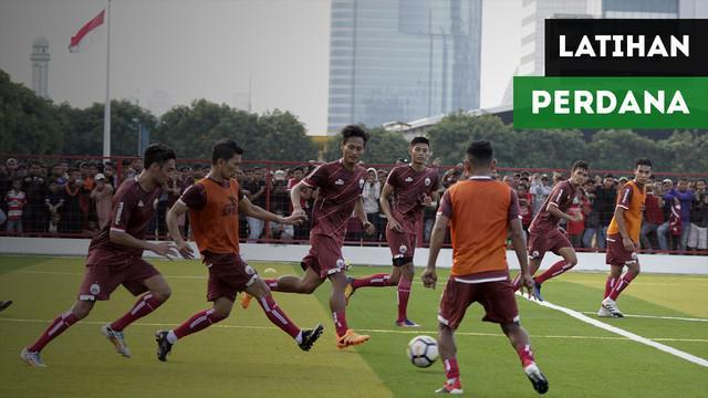 Persija Jakarta menggelar latihan perdana di Lapangan Aldiron, Pancoran, Senin (7/1/2019).