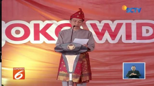 Presiden Jokowi terima gelar kehormatan Rajo Balaq Mangku Negara dari warga Komering, Sumatra Utara.