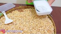 Youtuber Kuliner Bagikan Cara Mudah dan Praktis Membuat Tempe di Rumah. foto: Youtube 'Enny Tangerang'