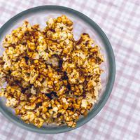 popcorn karamel/copyright: unsplash/john tecuceanu