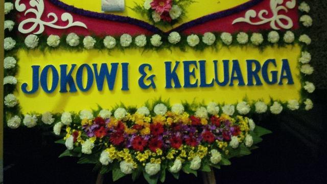 Karangan Bunga Dari Jokowi Di Resepsi Putri Setya Novanto News Liputan6 Com