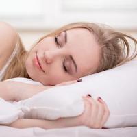 Berikut 5 hal yang dapat Anda lakukan sebelum tidur untuk mengurangi berat badan. (Foto: iStockphoto)