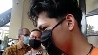 Youtuber Bandung Ferdian Paleka ditetapkan sebagai tersangka kasus ITE. (Huyogo Simbolon/Liputan6.com)