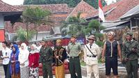 Ratusan Warga Binaan Pemasyarakatan Lembaga Pemasyarakatan (Lapas) Pemuda Klas IIA Tangerang, mengikuti kegiatan The Gathering of Heroes, Sabtu (10/11/2018). Mereka beramai-ramai memakai kostum ala pahlawan nasional.