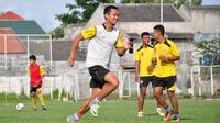 Setelah 10 tahun, Arif Suyono memutuskan hengkang dari Arema FC. (Liputan6.com/Rana Adwa)