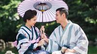 Putri Titian dan Junior Liem bulan madu ke Jepang.