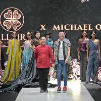 Batik multifungsi dari Alleira x Michael Ong. (Foto: PIFW 2019)