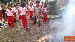 Citizen6, Jawa Tengah: Simulasi kebakaran diadakan di TK Papahan 03 Karanganyar, Jawa Tengah, (26/2). (Pengirim: Gejora)