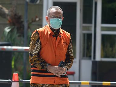 Mantan Sekretaris Mahkamah Agung, Nurhadi tiba di Gedung KPK, Jakarta, Rabu (17/6/2020). Nurhadi diperiksa sebagai saksi untuk menantunya Rezky Hebriyono terkait kasus dugaan suap gratifikasi pengurusan perkara di Mahkamah Agung Tahun 2011-2016. (merdeka.com/dwi narwoko)