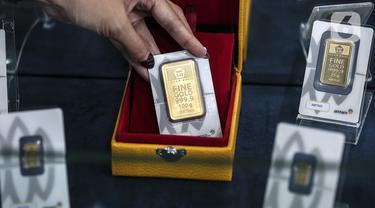 FOTO: Awal Pekan, Harga Emas Antam Turun Menjadi Rp 944 Ribu per Gram