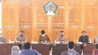 Pertemuan peternak Blitar dengan Pemkab Blitar. (Dian Kurniawan/Liputan6.com)