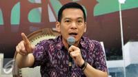Wakil Ketua Komisi IV DPR Daniel Johan saat diskusi membahas monopoli dan stabilitas harga Jelang Ramadan 1437 H, Senayan, Jakarta, Kamis (2/6). (Liputan6/JohanTallo)