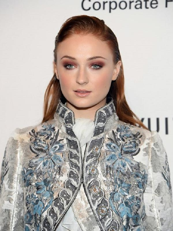 Sophie Turner (Dimitrios Kambouris / GETTY IMAGES NORTH AMERICA / AFP)#source%3Dgooglier%2Ecom#https%3A%2F%2Fgooglier%2Ecom%2Fpage%2F%2F10000