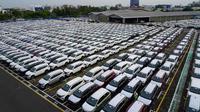 Jejeran Unit Produksi Astra Daihatsu Motor di Fasilitas Logistik yang Siap Dikirim ke Pelanggan.