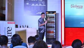 Albert Fleming, Product Manager Home Appliances, menjelaskan empat pilar keunggulan Polytron Showcase Allure, yaitu New Technology, Healthy Lifestyle, Environmentally Friendly dan Modern Design. (Istimewa)
